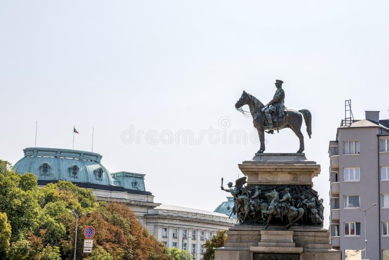 Das Quadrat der Nationalversammlung in Sofia Monument zum Zar-Befreier stockbild