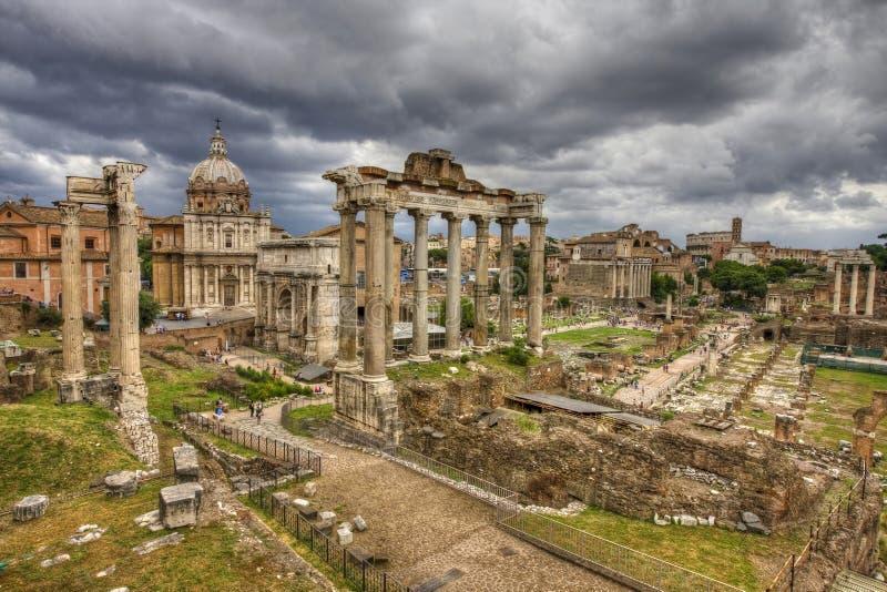 Das römische Forum in Rom. HDR Bild. lizenzfreie stockfotos