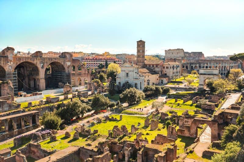 Das römische Forum in Rom, Italien lizenzfreies stockfoto