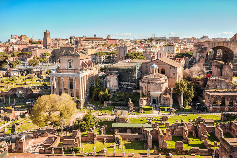Das römische Forum in Rom, Italien lizenzfreie stockfotos