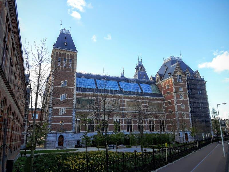 Das Rijksmuseum ist ein niederländisches Nationalmuseum, das Künsten und Geschichte in Amsterdam eingeweiht wird stockfoto