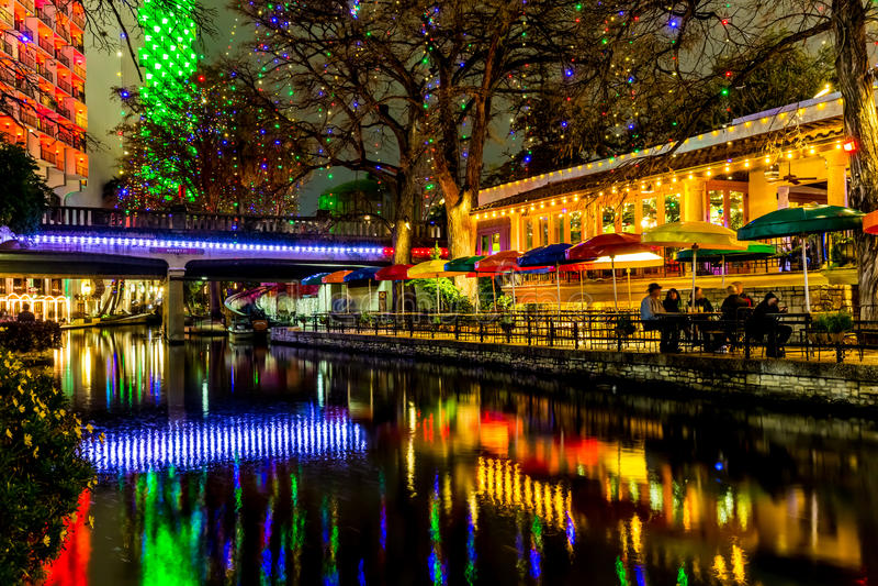 Das Riverwalk in San Antonio, Texas, nachts stockfotos