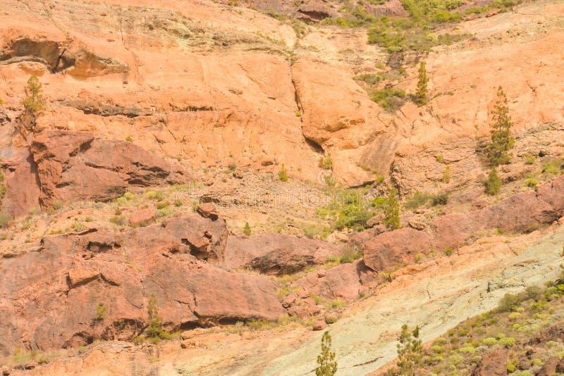 Das rochas coloridas vulcânicas do Los Azulejos da paisagem de Gran Canaria erupções hydromagmatic fotos de stock