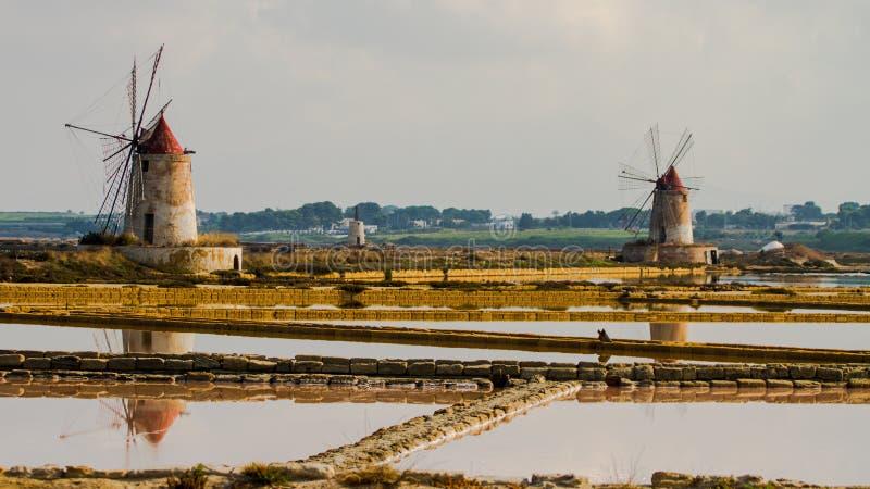 Das Salz von marsala in Nord-Sizilien stockbild
