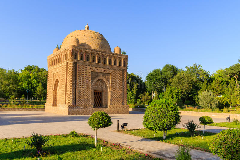Das Samanid-Mausoleum im Park, Bukhara, Usbekistan UNESCO-Welterbe lizenzfreie stockfotos