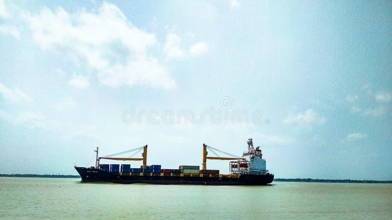 Das Schiff stockfotografie