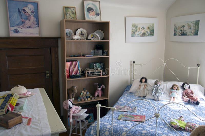 Das Schlafzimmer-Alaska-Landstraße der Weinlese-Kinder lizenzfreies stockfoto
