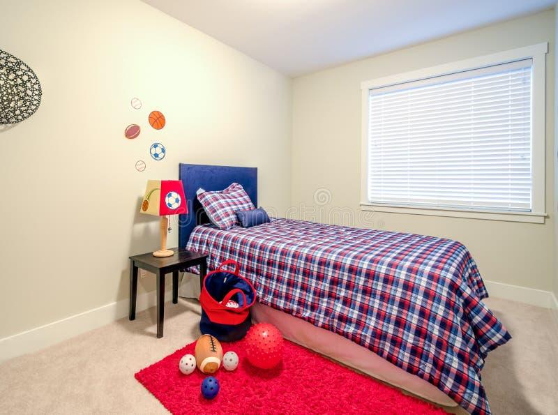 Das Schlafzimmer der Jungen stockfotografie
