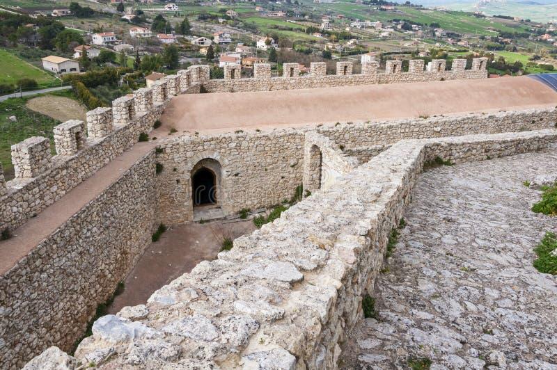 Das Schloss von Mussomeli lizenzfreie stockbilder