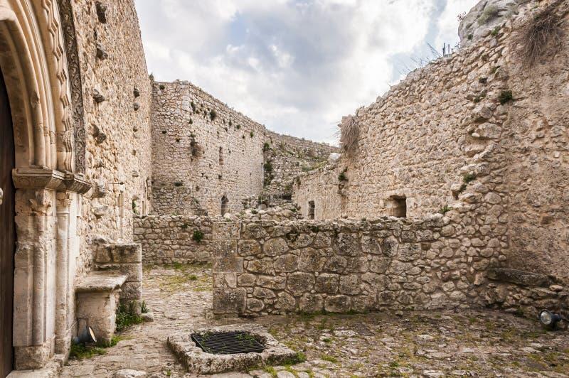 Das Schloss von Mussomeli stockbild