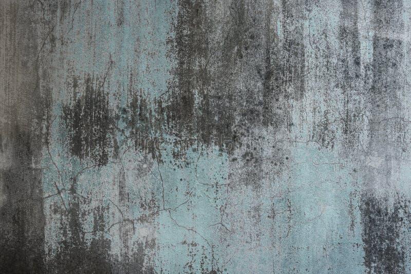 Das schmutzige alte verwitterte Grün malte Wand als Hintergrund lizenzfreies stockbild