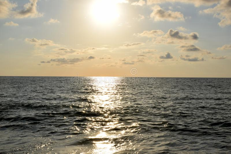 Das Schwarze Meer bei Sonnenuntergang stockfotografie