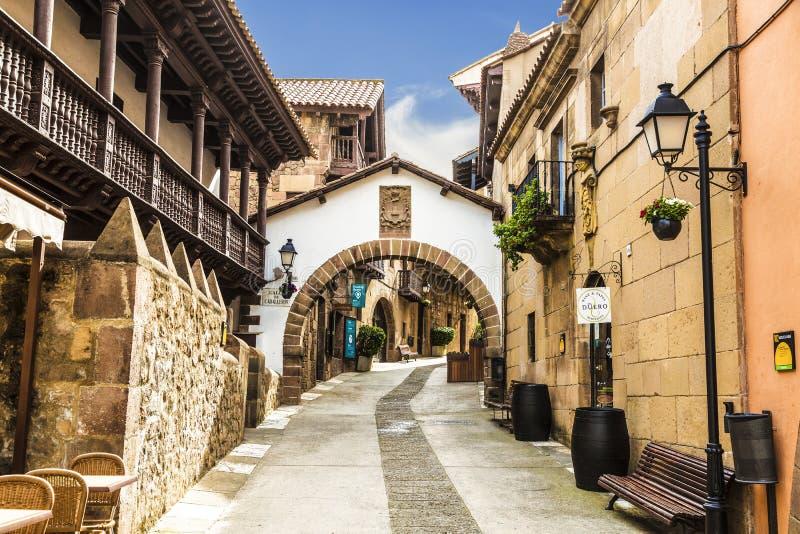 Das spanische Dorf in Barcelona ist ein Freiluftmuseum katalonien stockfoto