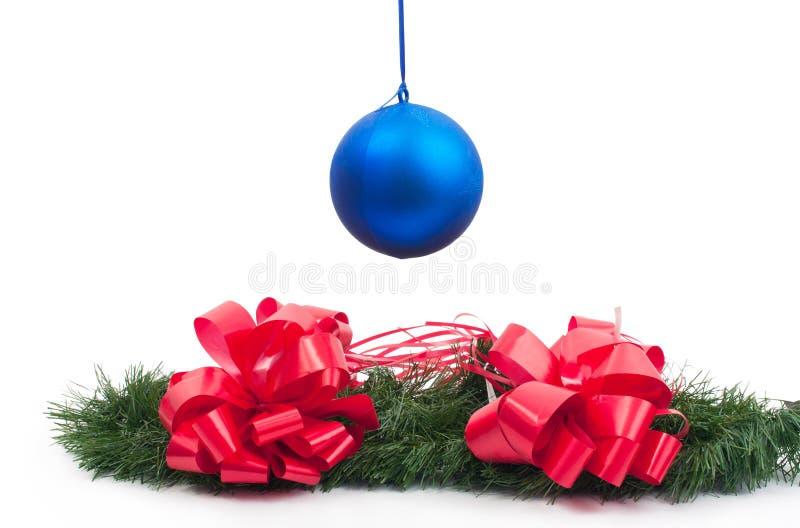 Das Spielzeug des hängenden neuen Jahres und stockfoto