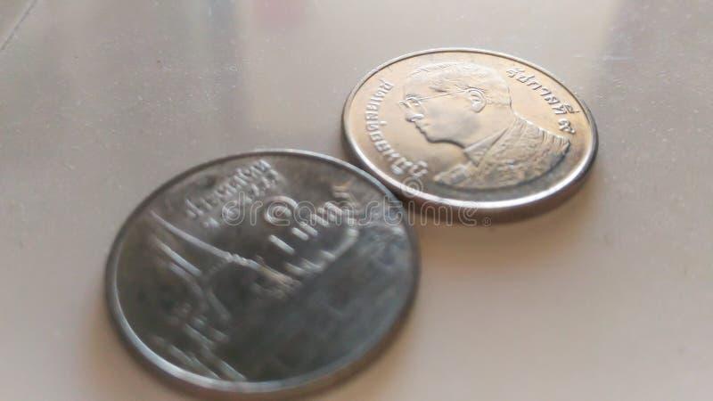 Das Spulensilber metriral von Thailand auf dem Plastikweiß lizenzfreie stockbilder