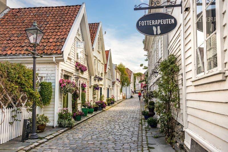 Das Stadtzentrum von Stavanger mit ihren hölzernen Weißhäusern, Stavenger lizenzfreie stockbilder