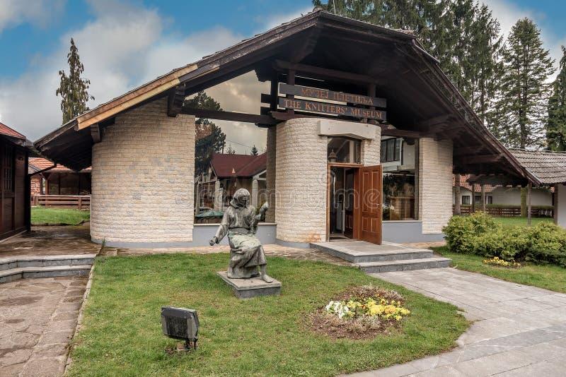 Das Stricker-Museum in Sirogojno-Dorf in Zlatibor-Bereich, Serbien stockfotos