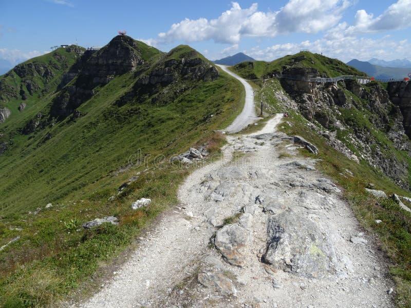 Das Stubnerkogel in schlechtem Gastein Almorama, Salzburg, Österreich lizenzfreie stockbilder