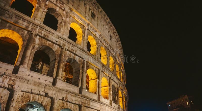 Das Symbol von Rom, das Amphitheater des Colosseum, stockfotos