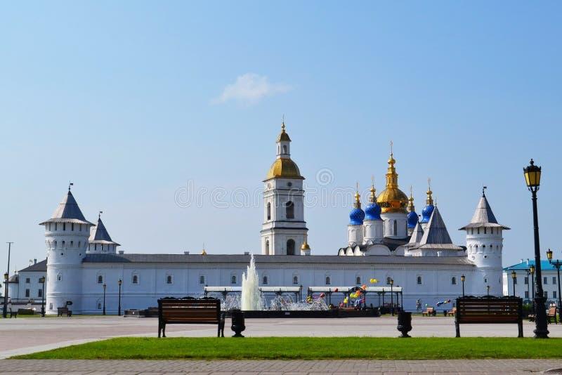 Das Tobolsk der Kreml an einem sonnigen Tag des Sommers, Russland lizenzfreie stockbilder