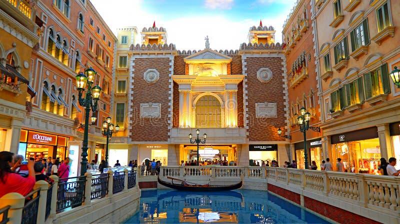 Das venetianische Macao - Einkaufsviertel und Kanal lizenzfreies stockfoto