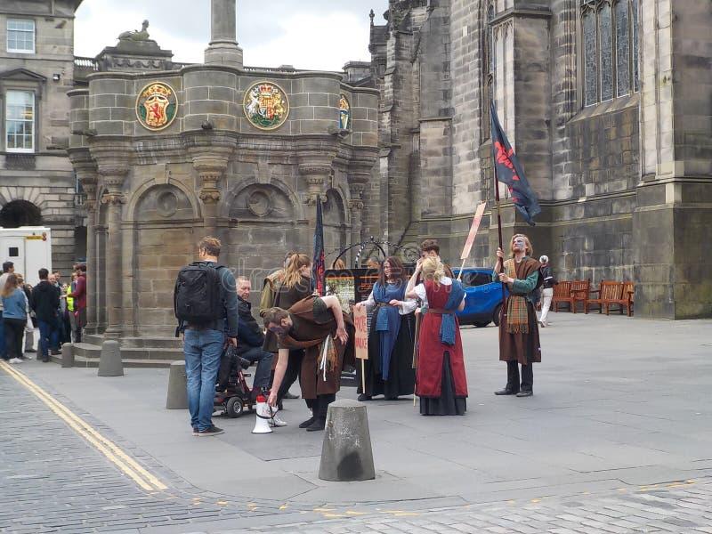 Das Vermächtnis von William Walas, seine jungen Nachfolger in der Mitte von Edinburgh stockfoto