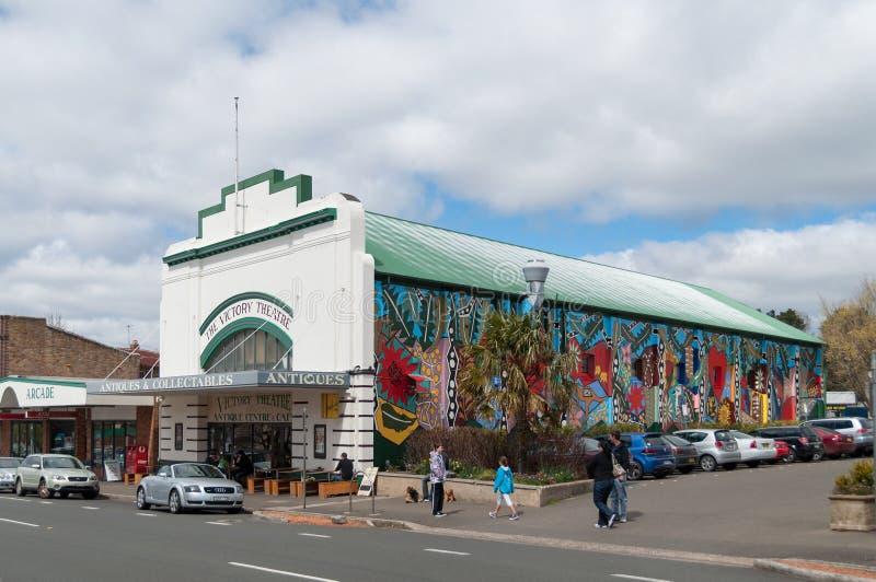 Das Victory Theatre-Gebäude mit moderner Graffitikunst auf der Wand stockbild