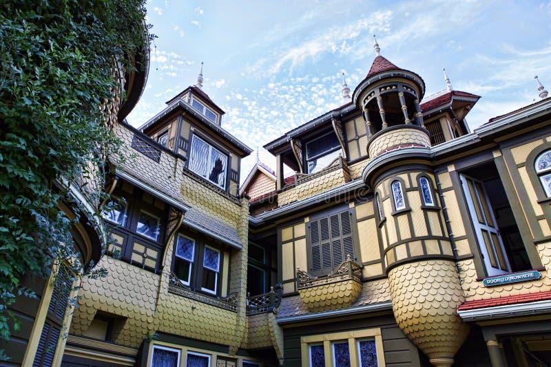 Das Winchester-Geheimnis-Haus stockfotos