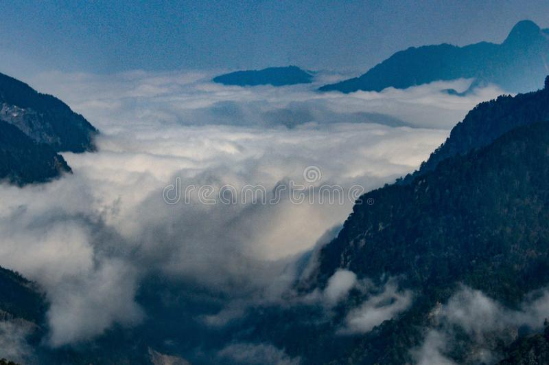 Das Wolkenmeer in Tatauga lizenzfreie stockfotografie