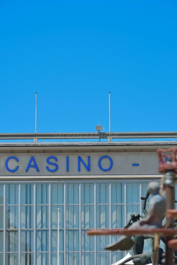 Das Wortkasino in der blauen Beschriftung stockfotografie