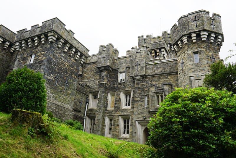 Das Wray-Schloss nahe See Windermere in Cumbria, England lizenzfreies stockbild