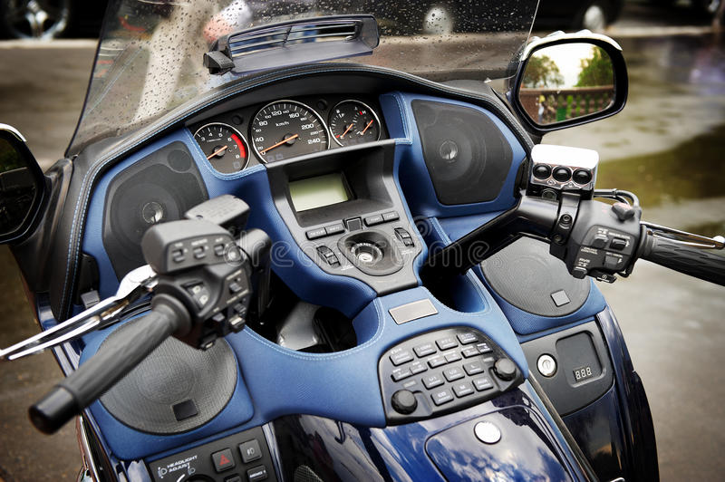 Download Dashboard And Steering Wheel Of Large Motorcycle Royalty Free Stock Images - Image: 14461649