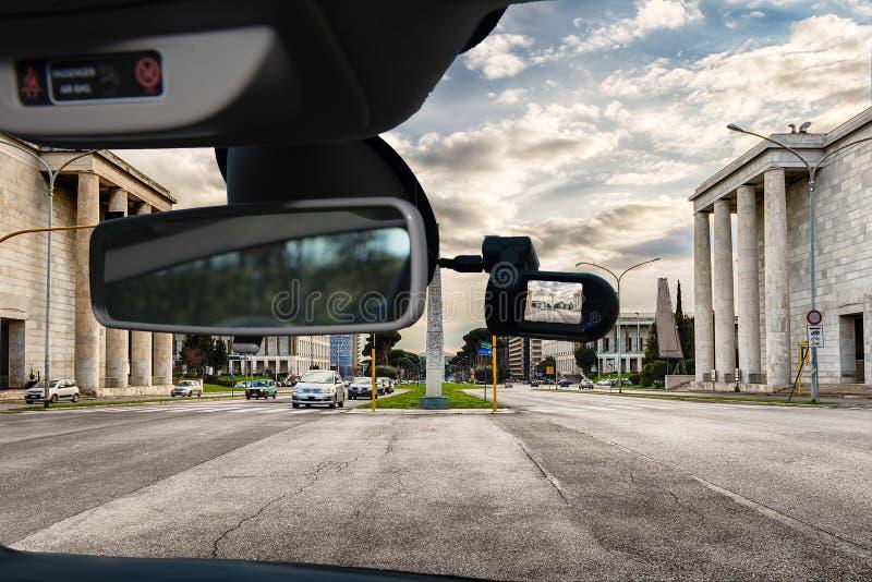Dashcam bilkamera med sikt av EUR-området, Rome, Italien arkivbild