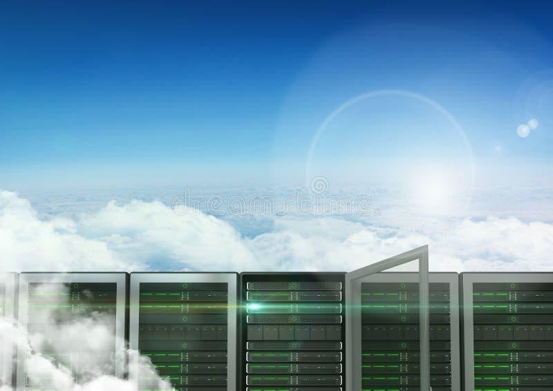 Database server contro il cielo nel fondo fotografie stock