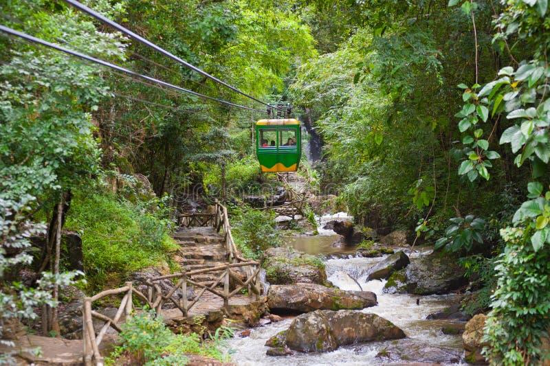 Datanla vattenfall nära Dalat, i Vietnam royaltyfria bilder