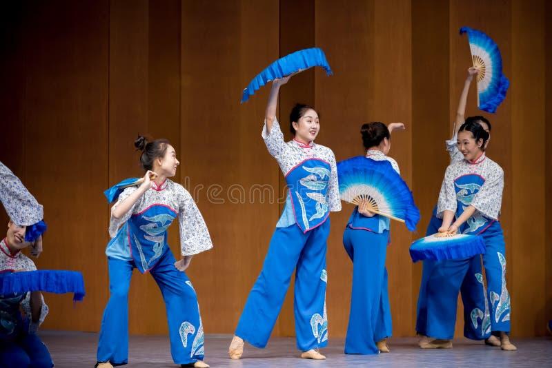Date couplet-aveugle antithétique de chant - opéra de Thé-cueillette dans Jiangxi du sud image libre de droits