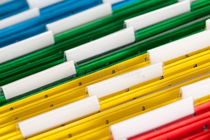 Dateien nah oben gefärbt stockfoto