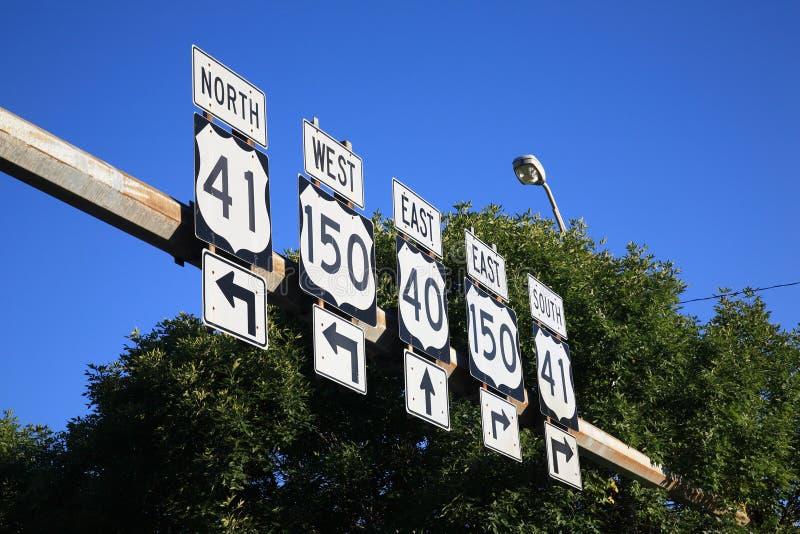 Datenbahn-Verkehrsschilder stockbilder