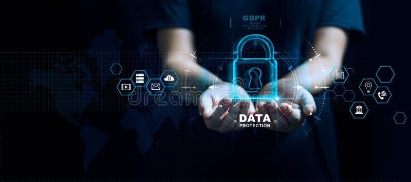 Datenschutz-Privatlebenkonzept GDPR EU Internetsicherheitsnetz Schützende Personendaten des Geschäftsmannes lizenzfreie stockfotos
