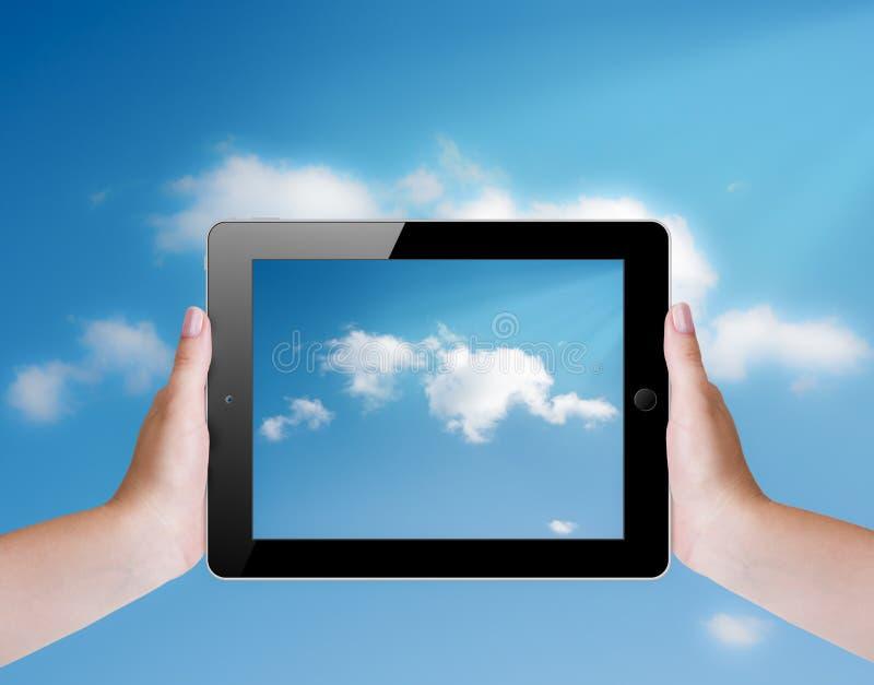 Datenverarbeitungskonzept der Wolke mit Tabletten-PC lizenzfreies stockbild
