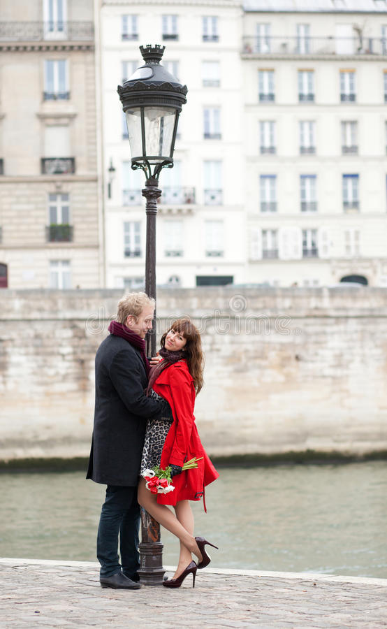 Download Dating Couple In Paris Royalty Free Stock Images - Image: 26283839