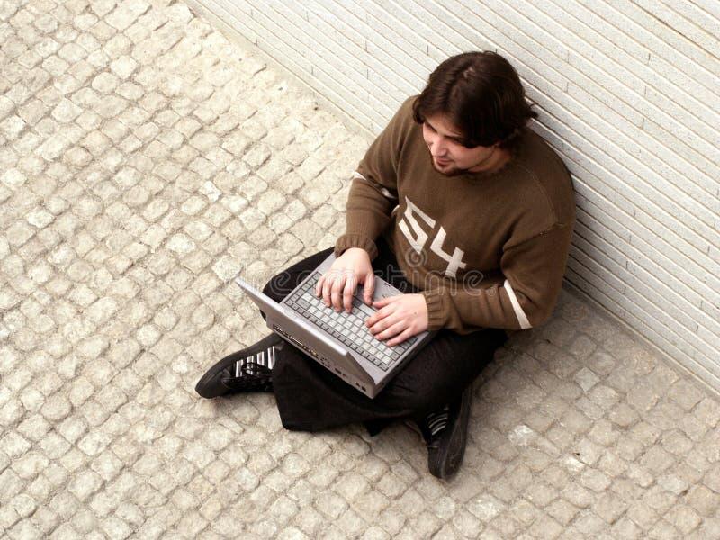 Download Dator fotografering för bildbyråer. Bild av tonåring, anslutning - 984641