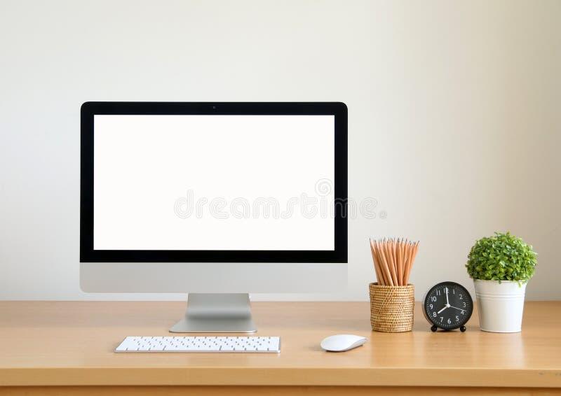 Dator för tom skärm, skrivbords- PC För affär royaltyfri foto