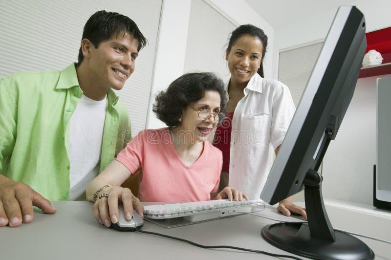 Datorfamilj Arkivbild