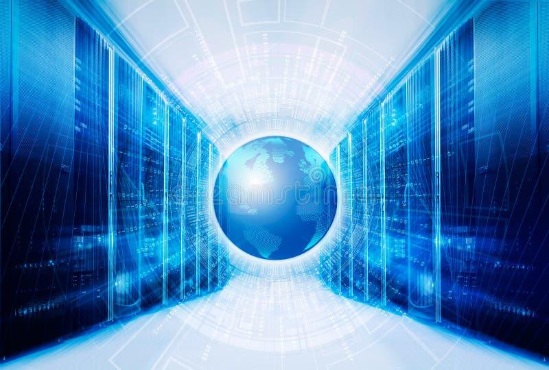 Datos grandes del código binario alrededor de la tierra del planeta en el cuarto moderno futurista simétrico del servidor del cen ilustración del vector