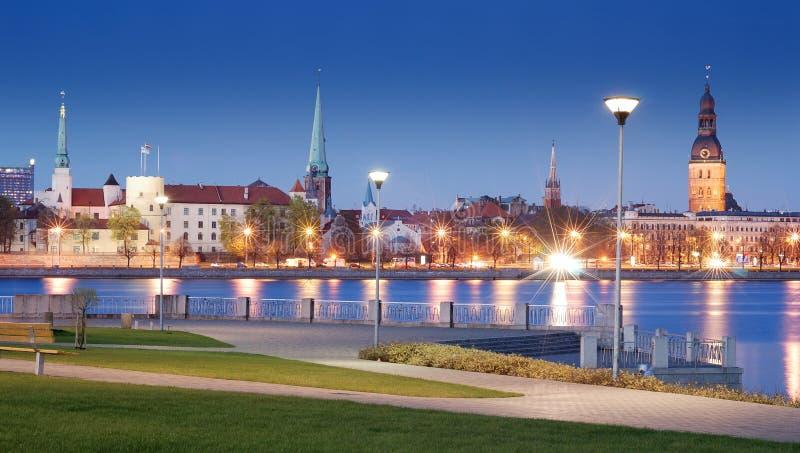 Daugava. stockbilder