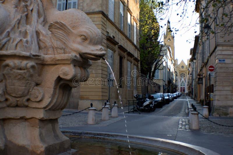 Dauphins för springbrunn 4, rue Cardinale, Aix-en-provence, Bouches-du-Rhone, Frankrike arkivfoton