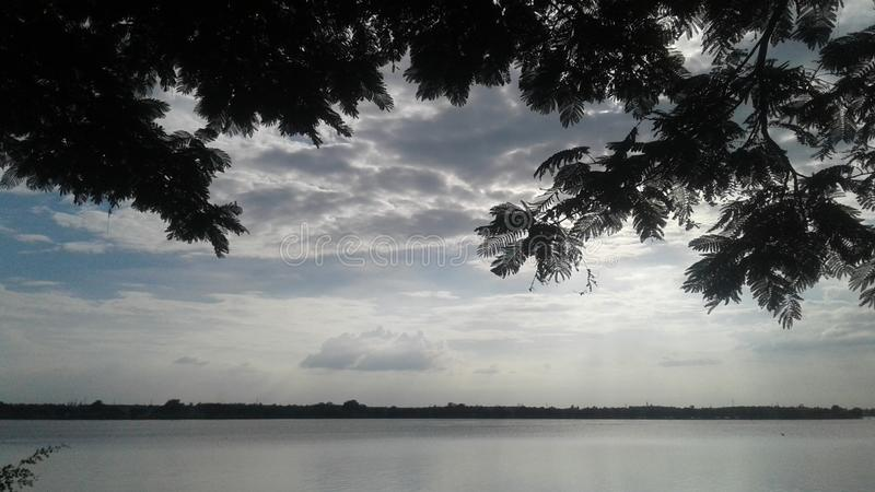 Davanagere的Kundvad湖 免版税图库摄影