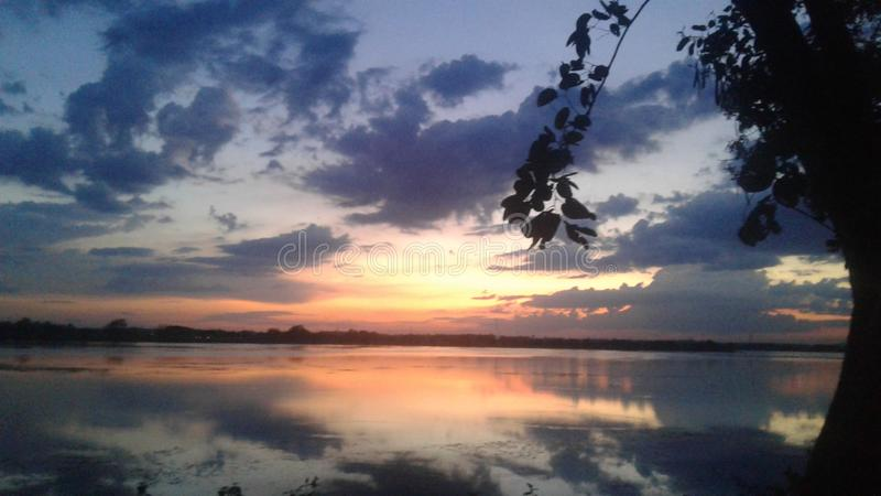 Davanagere的Kundvad湖 免版税库存照片