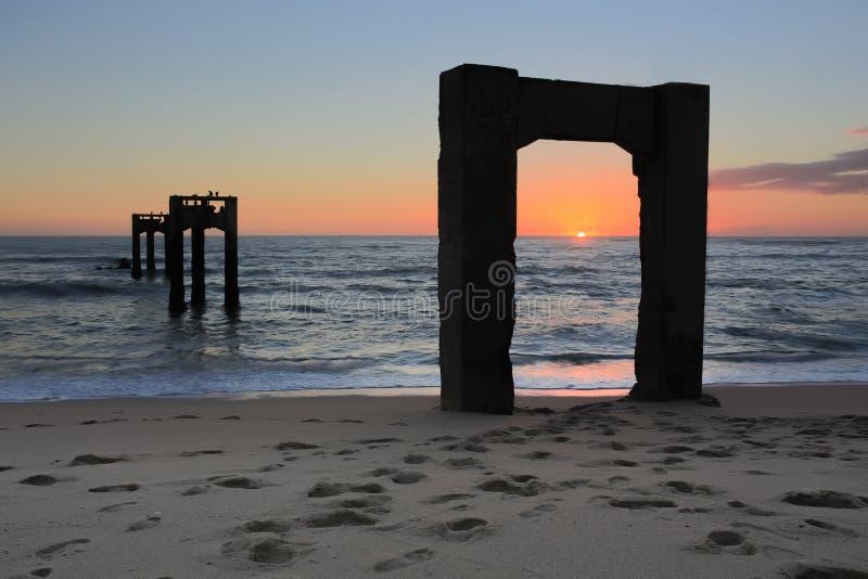 Davenport Pier Beach Sunset lizenzfreie stockbilder